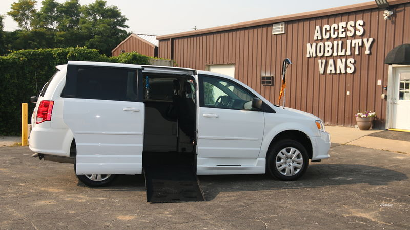 Used 2017 Dodge Grand Caravan.  ConversionBraunAbility Entervan - Manual